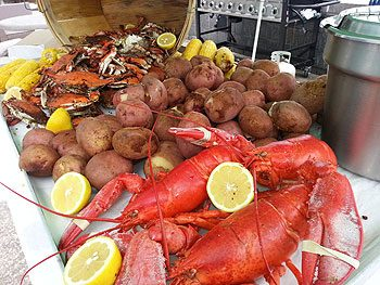 Corporate Dining Company Makes Big Splash at Comcast With 2nd Annual Lobster & Crab Boil